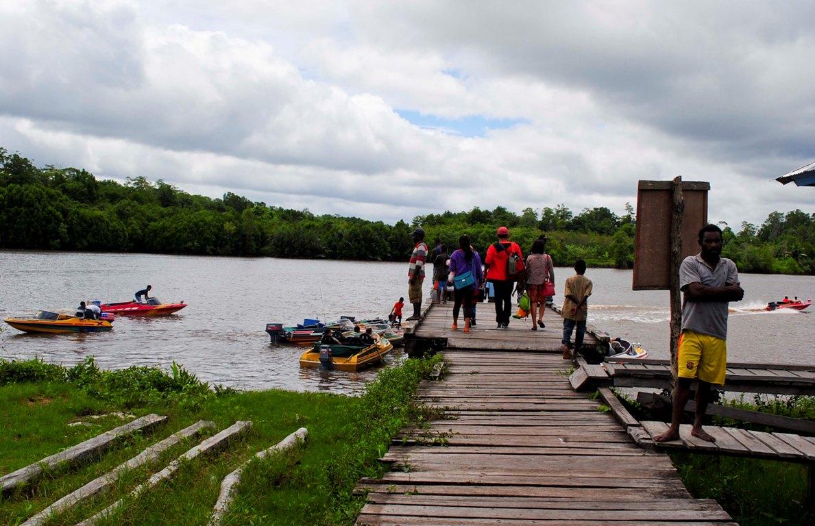 Aktifitas transportasi sungai