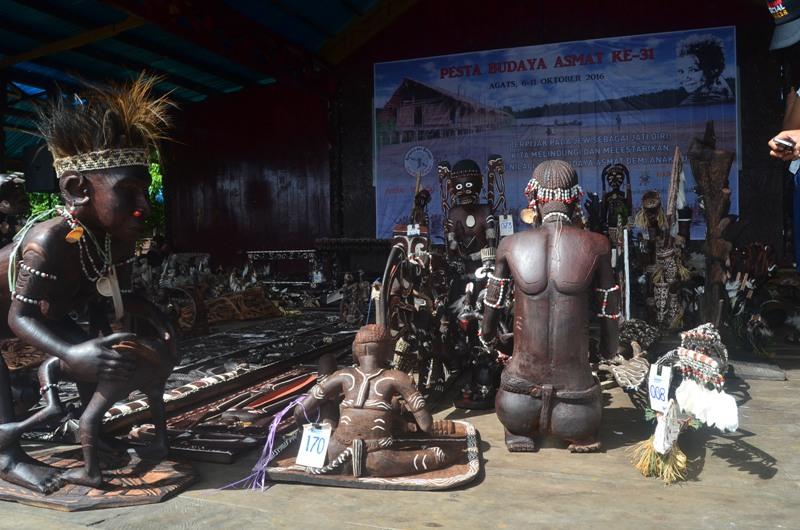 Ukiran Kayu - Pesta Budaya Asmat ke 31
