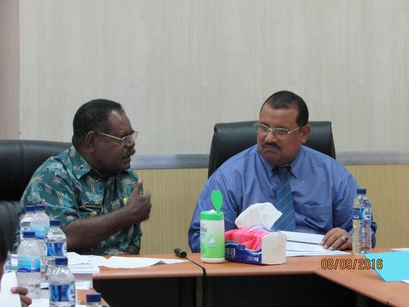 Bapak Bupati dan Kepala Bappeda Propinsi Papua